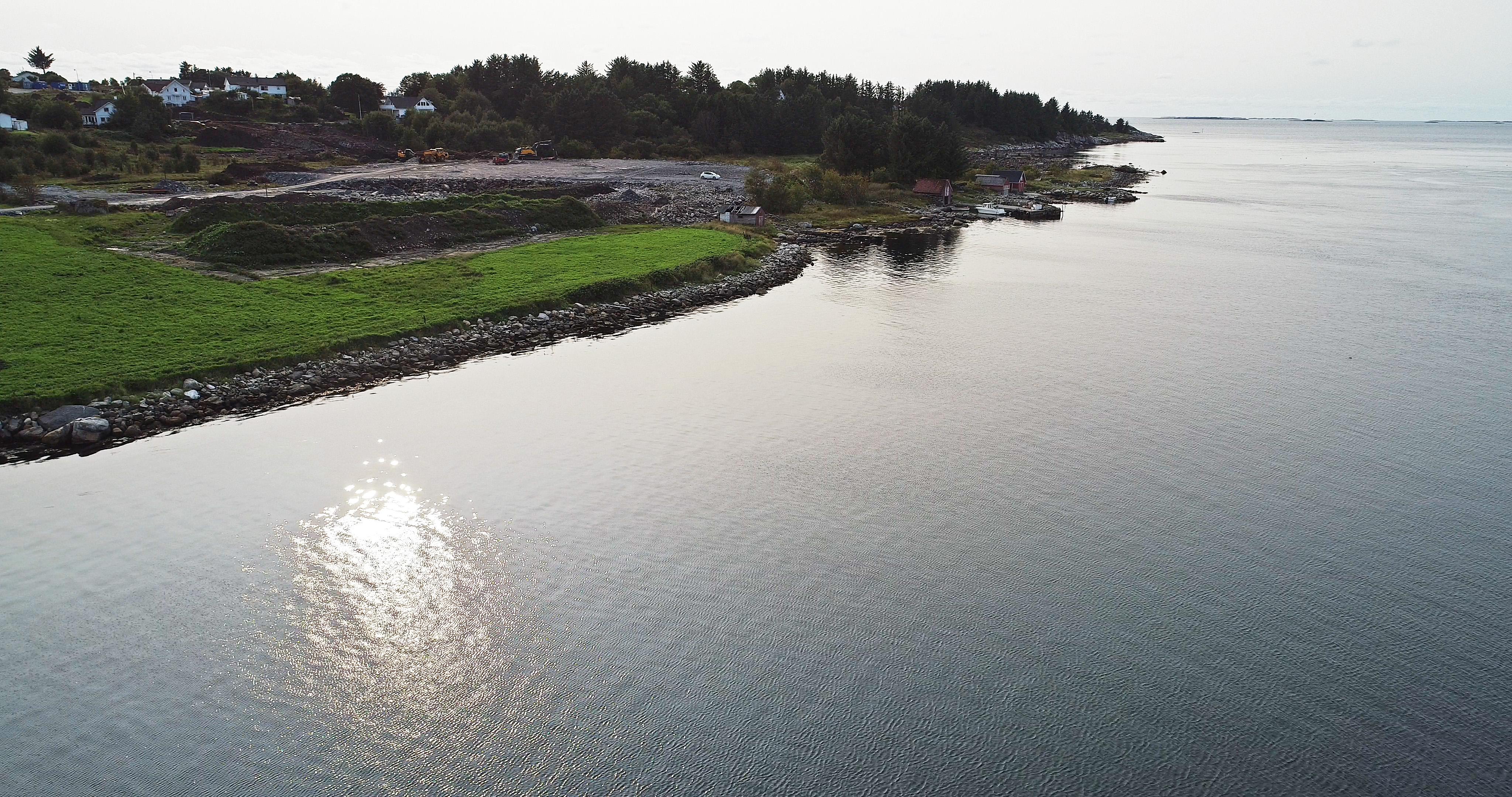 Krabbavigå Jåsund - flott beliggenhet rett ved sjøen